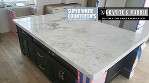 Quartzite: 7cm superwhite island 1